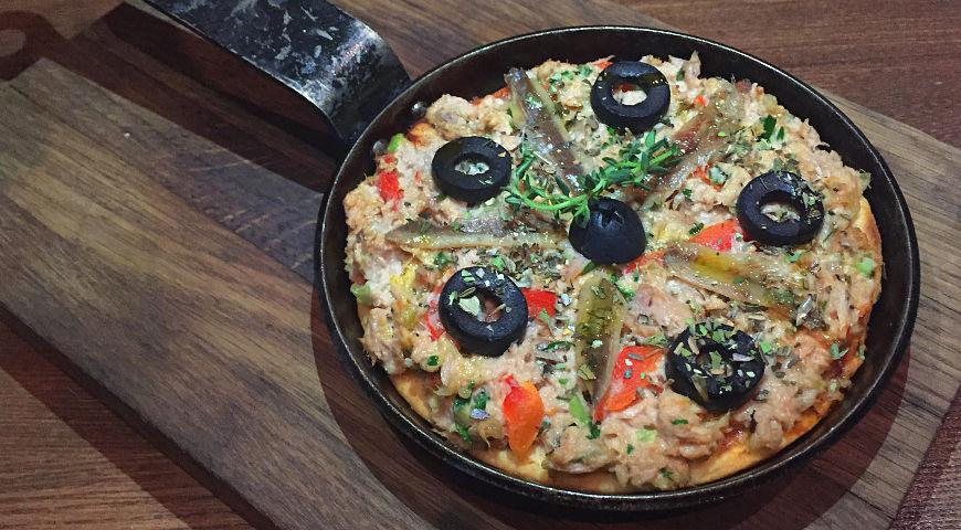 Рецепт Открытый пирог с тунцом и маслинами