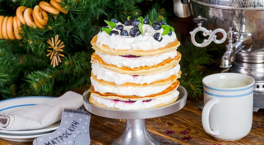 Рецепт Блинный торт с черничным кремом