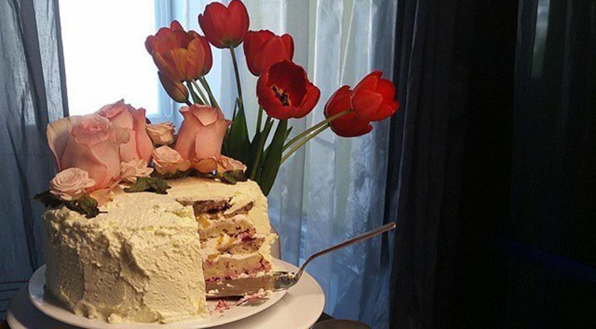 Рецепт Овсяный торт с творожно-ягодным кремом.