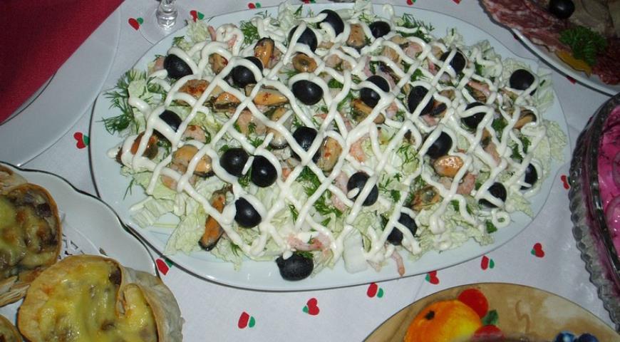 Рецепты салатов с морепродуктами пошагово с
