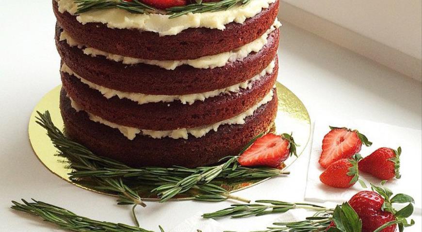 Рецепт Влажный бисквитный торт с ванильным крем-чизом