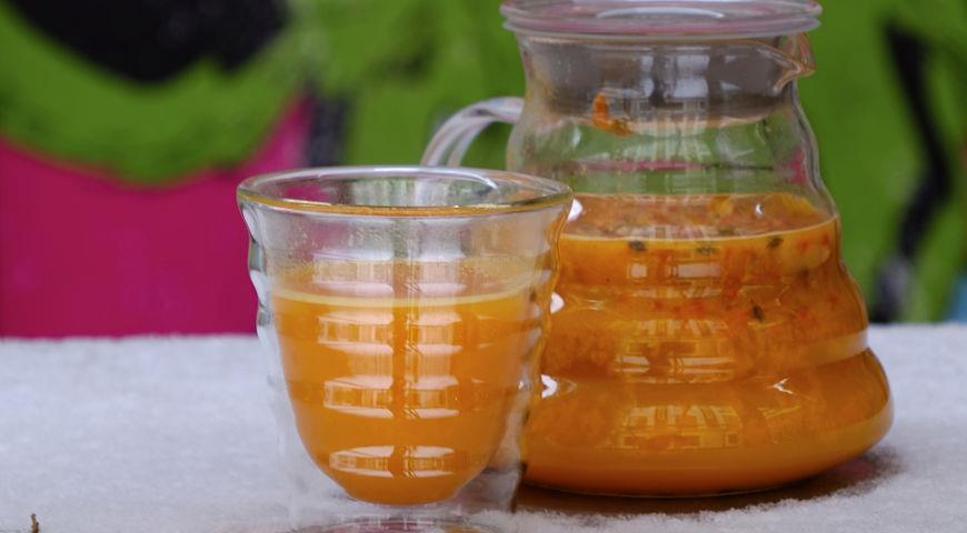 Рецепт Согревающий напиток с облепихой и имбирем