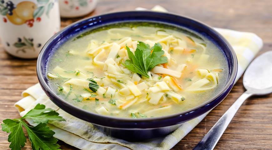 Рецепт Суп с домашней лапшой на курином бульоне