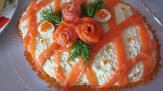 Салат с сёмгой Новогодние огни
