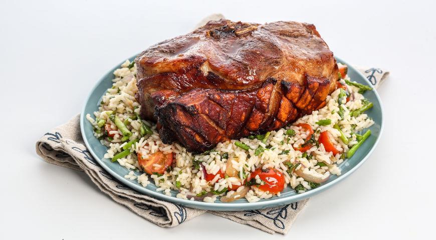 Рецепт Свиная лопатка, запеченная целиком