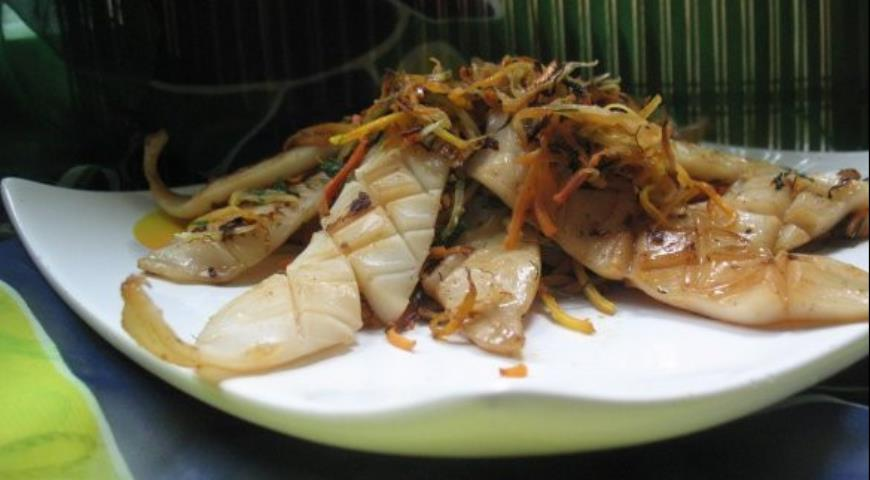 Рецепт Закуска из кальмара жареного с овощами