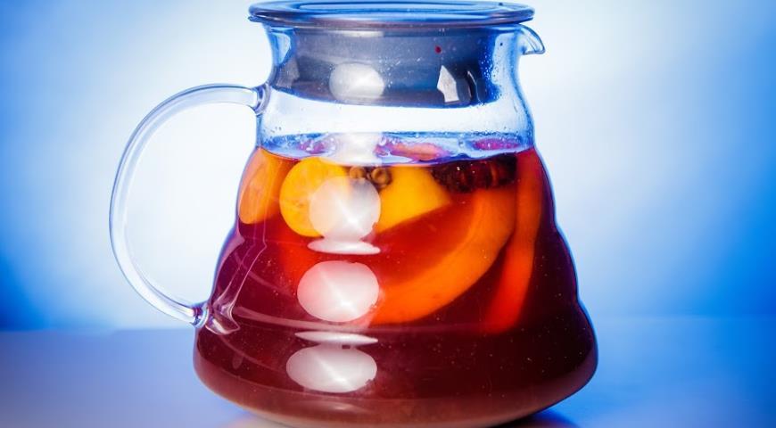 Рецепт Горячий клюквенный глёг с пряным апельсином и мёдом