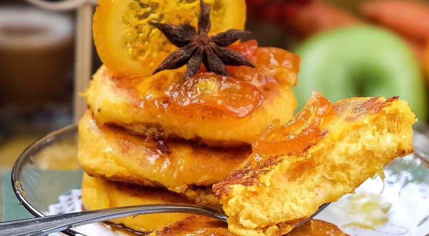 Рецепт Сырники с морковью и пряным цитрусовым соусом с апельсинами и кумкватами