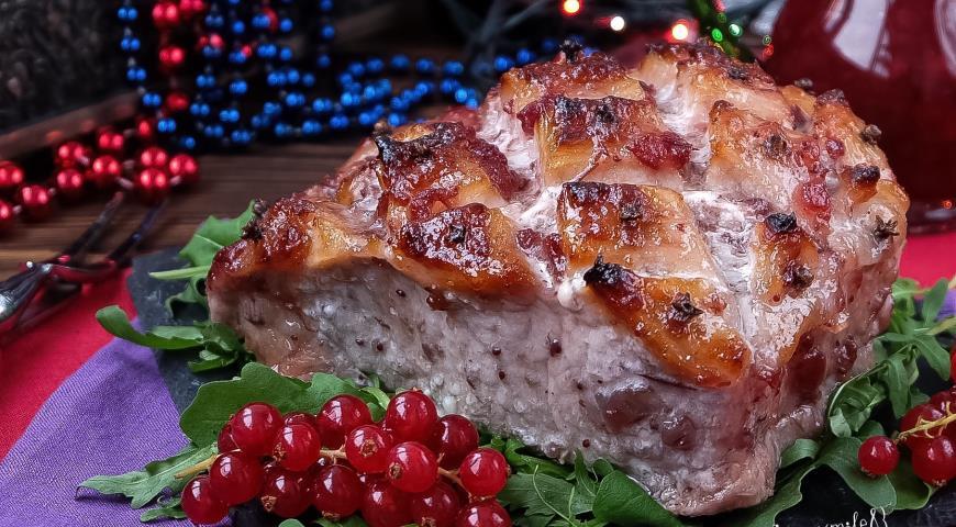 Рецепт Свинина Праздничная с брусничным соусом с красной смородиной