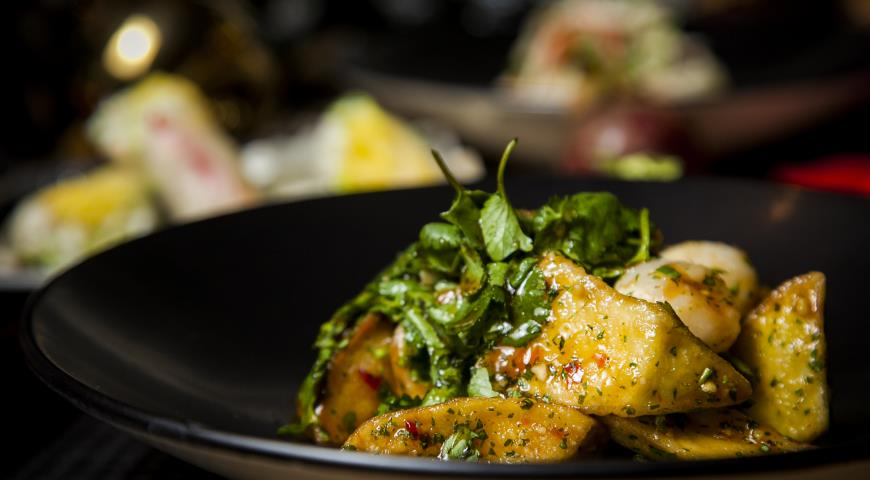 Рецепт Теплый салат из баклажанов