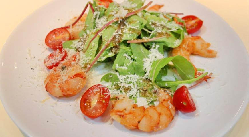 Рецепт Теплый салат с креветками