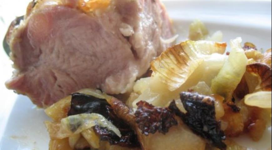 Рецепт Свинина на луковой подушке