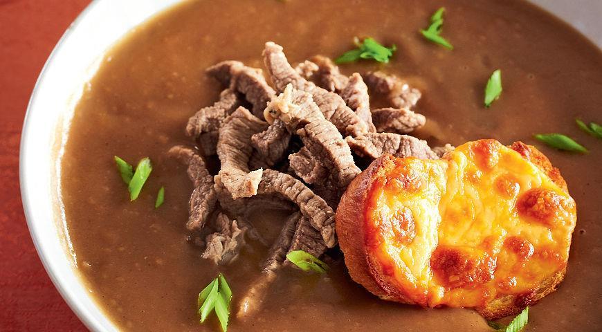 Рецепт Пивной суп с чеддером и чесночными гренками
