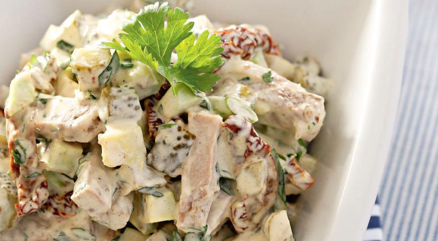 Рецепт Салат из запеченной свинины