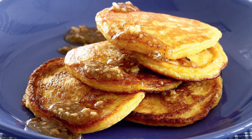 Рецепт Тыквенные оладьи с медово-ореховым маслом