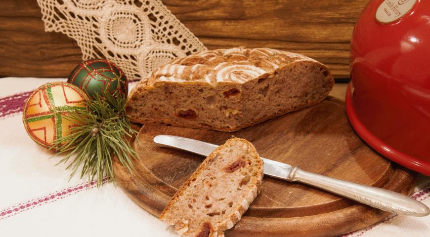 Рецепт Домашний хлеб с вяленой вишней и грецкими орехами