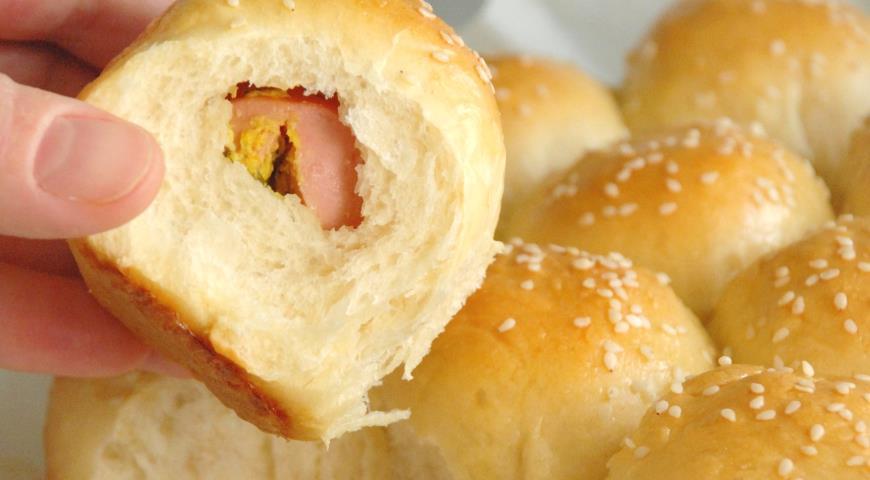 Рецепт Дрожжевой пирог с сосисками и соусом карри «По-неаполитански»