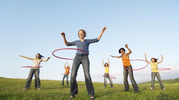 Совет дня: чтобы быть в тонусе, делайте упражнения с обручем