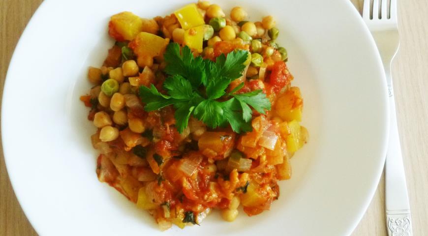 Рецепт Нут с горошком в томатном соусе