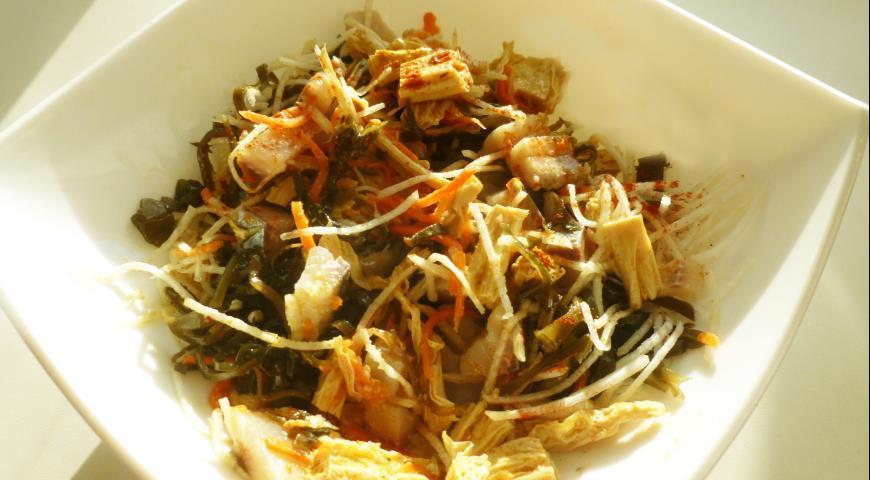 Рецепт Салат из сельди с морской капустой
