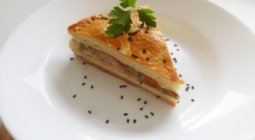 Рецепт Пирог с курицей, лесными грибами и овощами