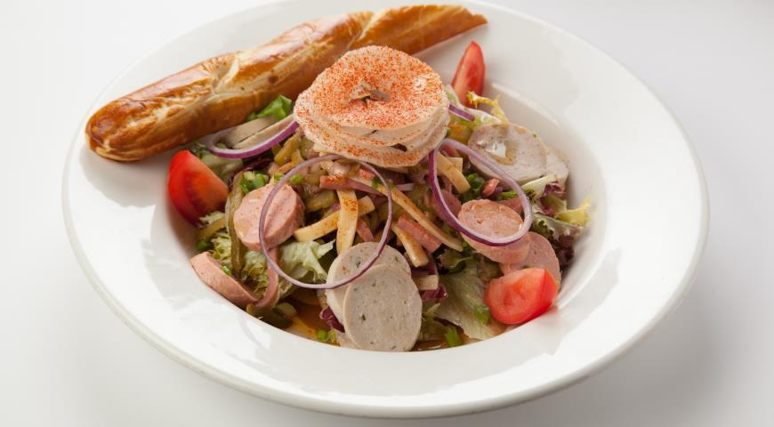 Рецепт Мюнхенский колбасный салат