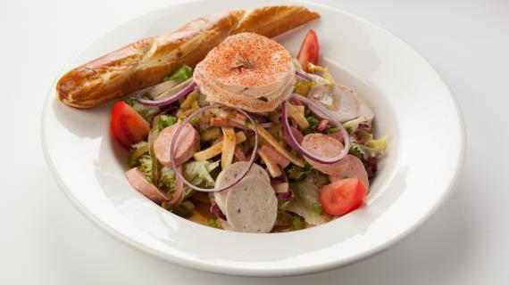 Мюнхенский колбасный салат