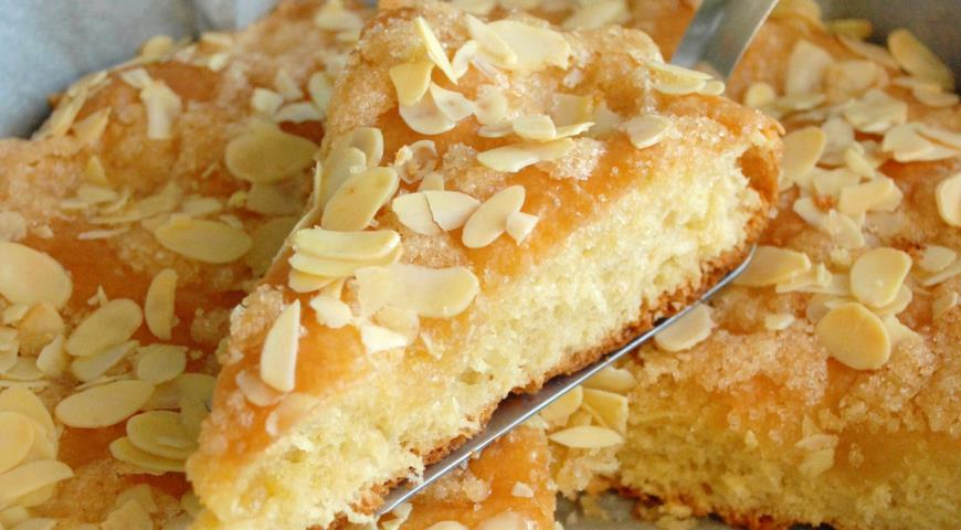 Рецепт Быстрый дрожжевой пирог с кардамоном
