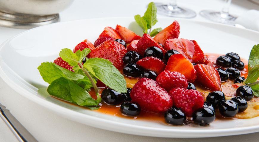 Рецепт Блинчики с маскарпоне и ягодами от Франческо Пистаккио