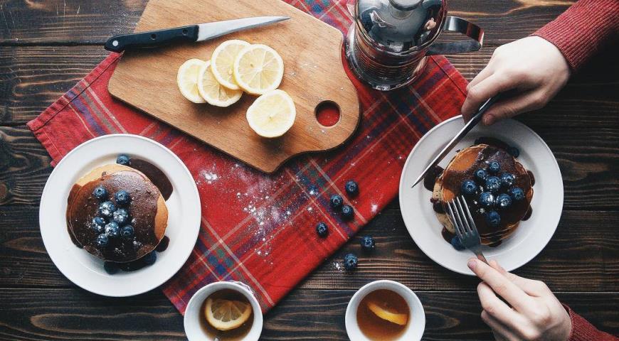 Рецепт Американские панкейки в шоколадном соусе