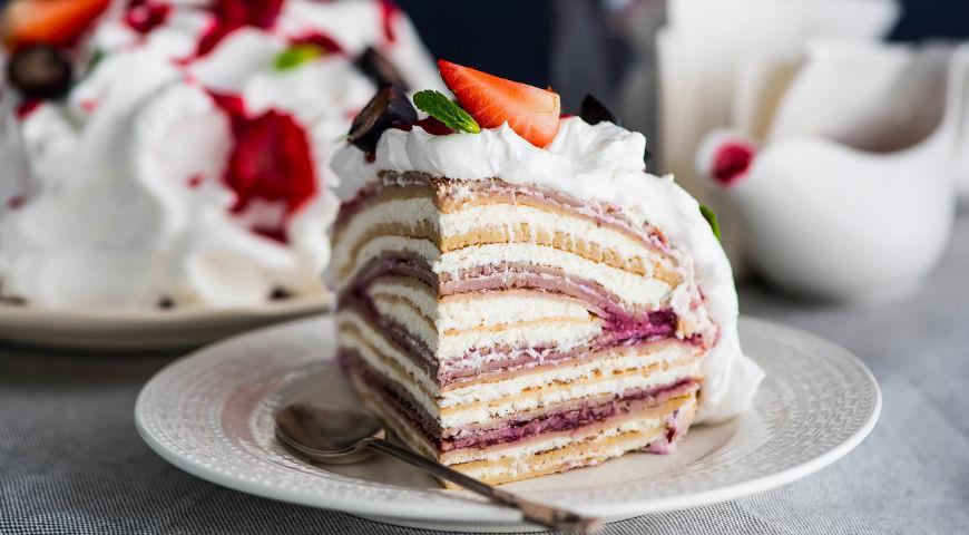 Рецепт Креп-торт с творожно-сливочным кремом и ягодами