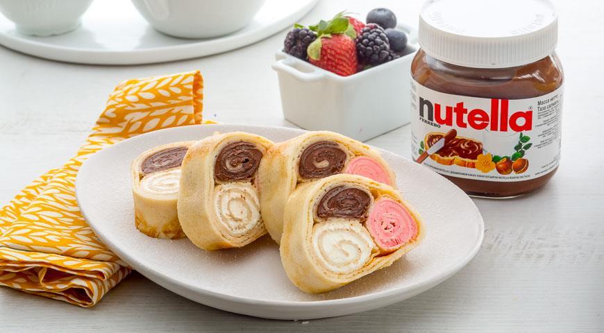 Рецепт Рулеты с тройной начинкой и пастой Nutella®
