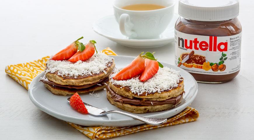 Рецепт Кокосовые оладьи-сэндвичи с пастой Nutella®