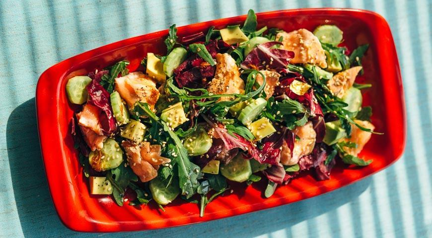копченой Салат лососиной с