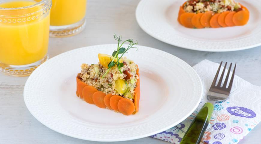 Рецепт Салат из киноа с овощами в виде сердца