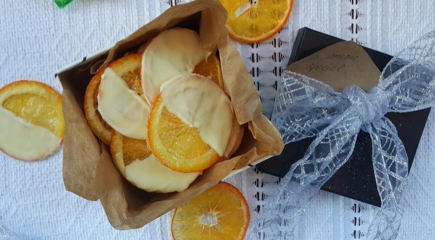 Рецепт Апельсиновые чипсы в белом шоколаде