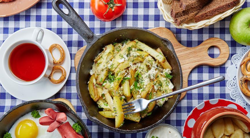 Рецепт Болтунья с жареным картофелем и зеленью