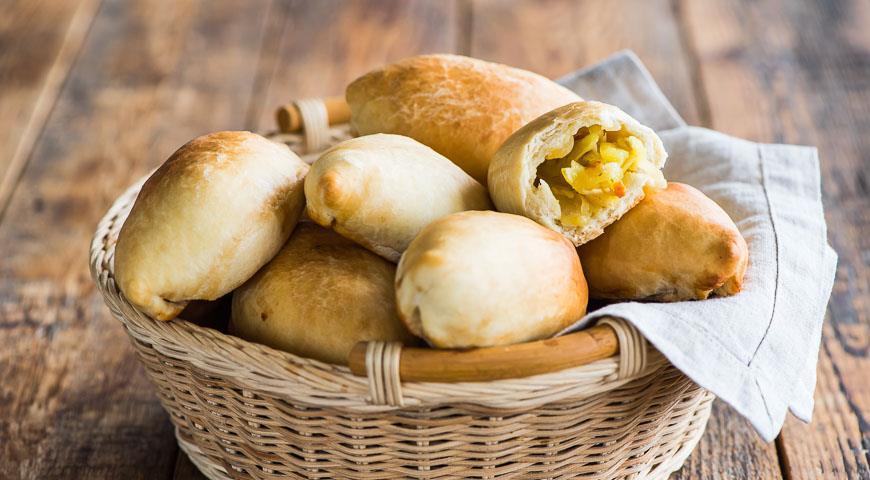 Пісні пиріжки з картоплею