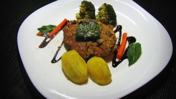 Рыбные котлеты с овощами на пару