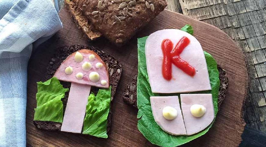 Рецепт Бутерброды с ветчиной и свежим салатом