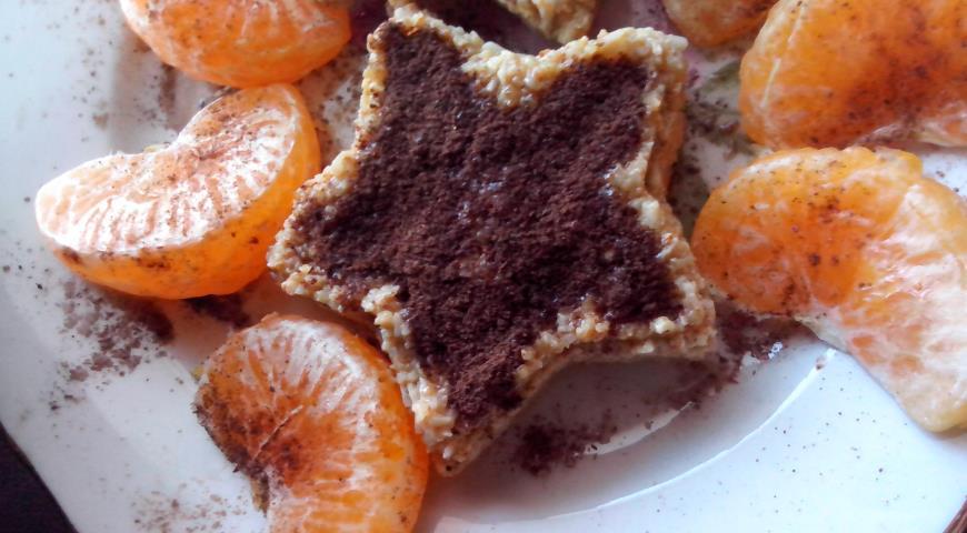 Шоколадное пирожное с творогом и овсяными хлопьями ...