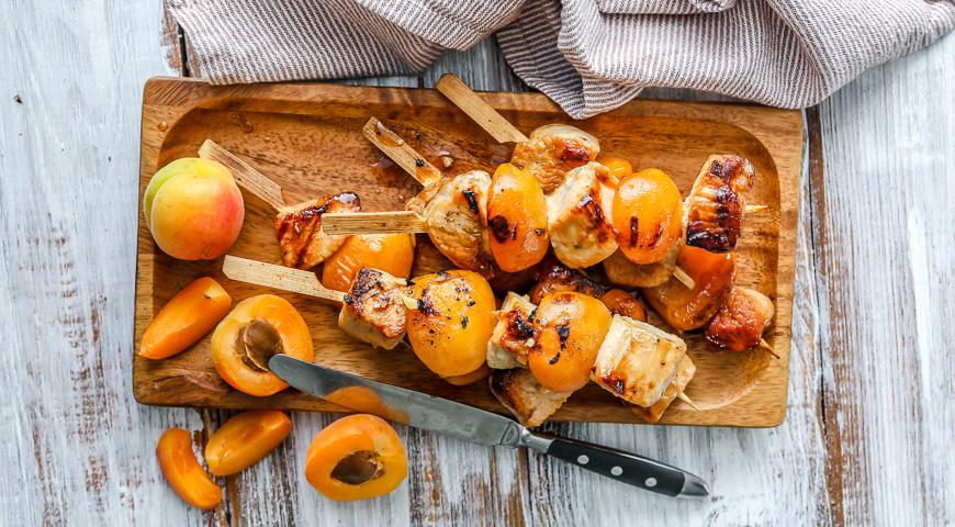 Шашлык из индейки с абрикосами, пошаговый рецепт с фото