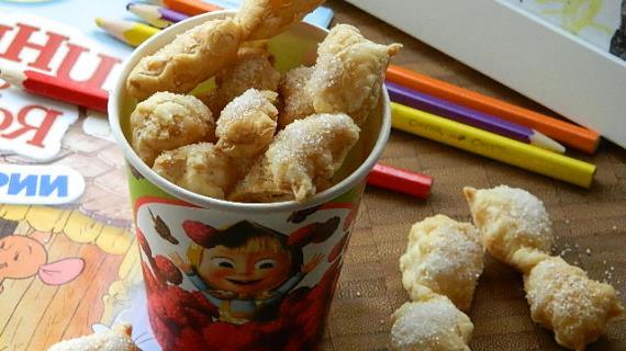 Слоеные бантики с сахаром