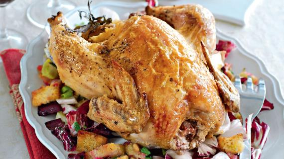 Запеченная курица с хлебным гарниром