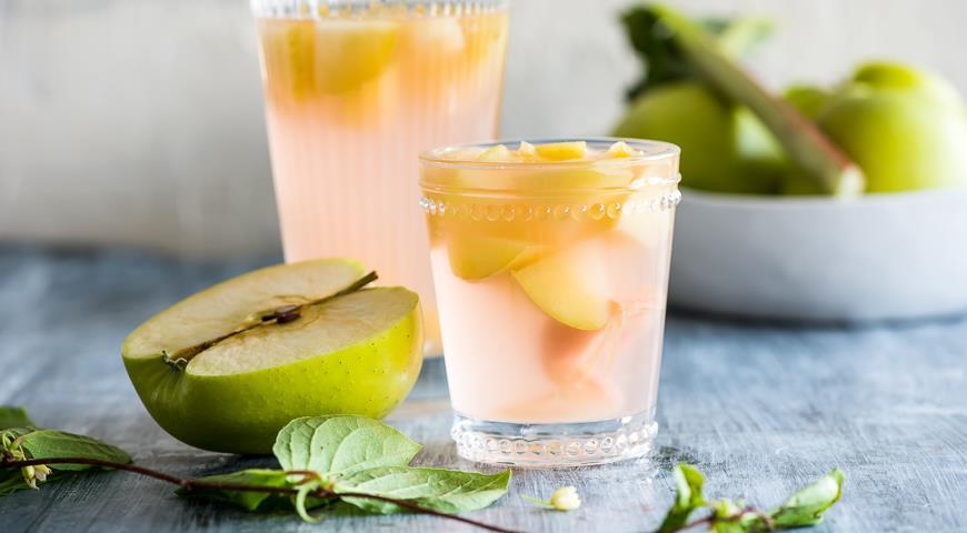 компот из ревеня и яблок рецепт