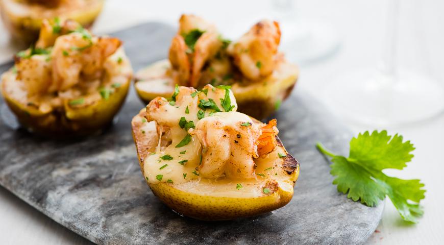 Запеченная груша с креветками и сыром рецепт