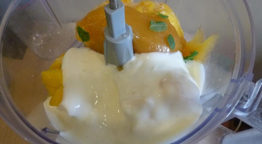 Легкий десерт из манго, пошаговый рецепт с фото