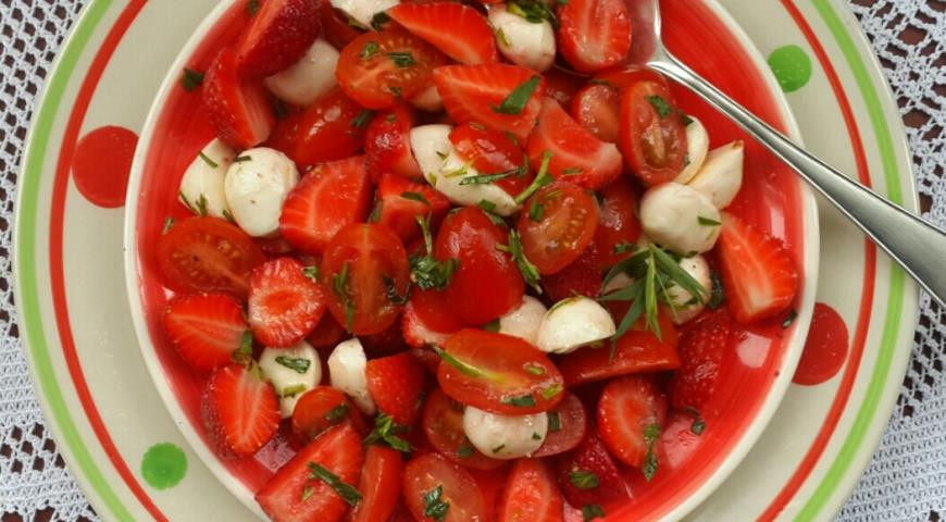 Салаты с помидорами черри рецепты