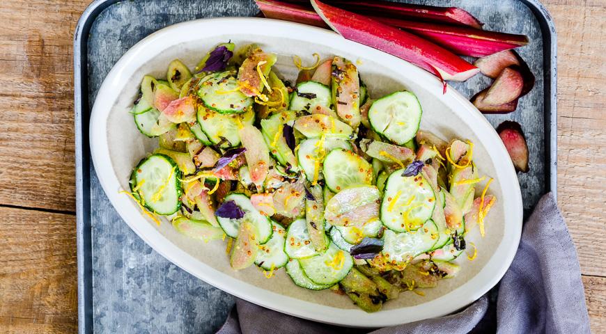 Салат из ревеня с огурцами, пошаговый рецепт с фото