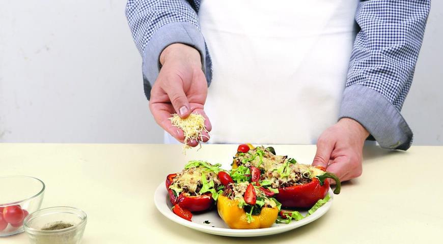 Фото приготовления рецепта: Быстрые фаршированные перцы, шаг №5